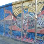 Abbildung eines kleinen Teil der Berliner Mauer.